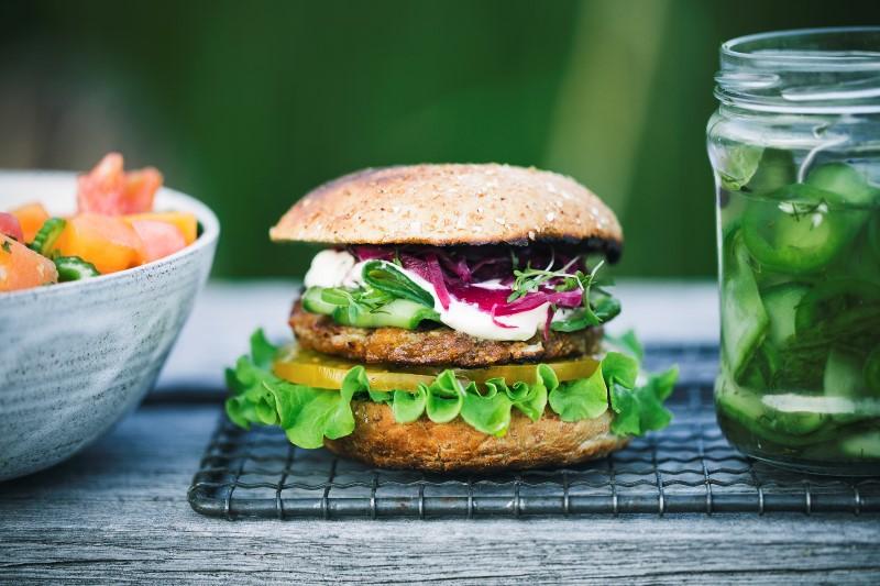 grilled_burger800x533.jpg